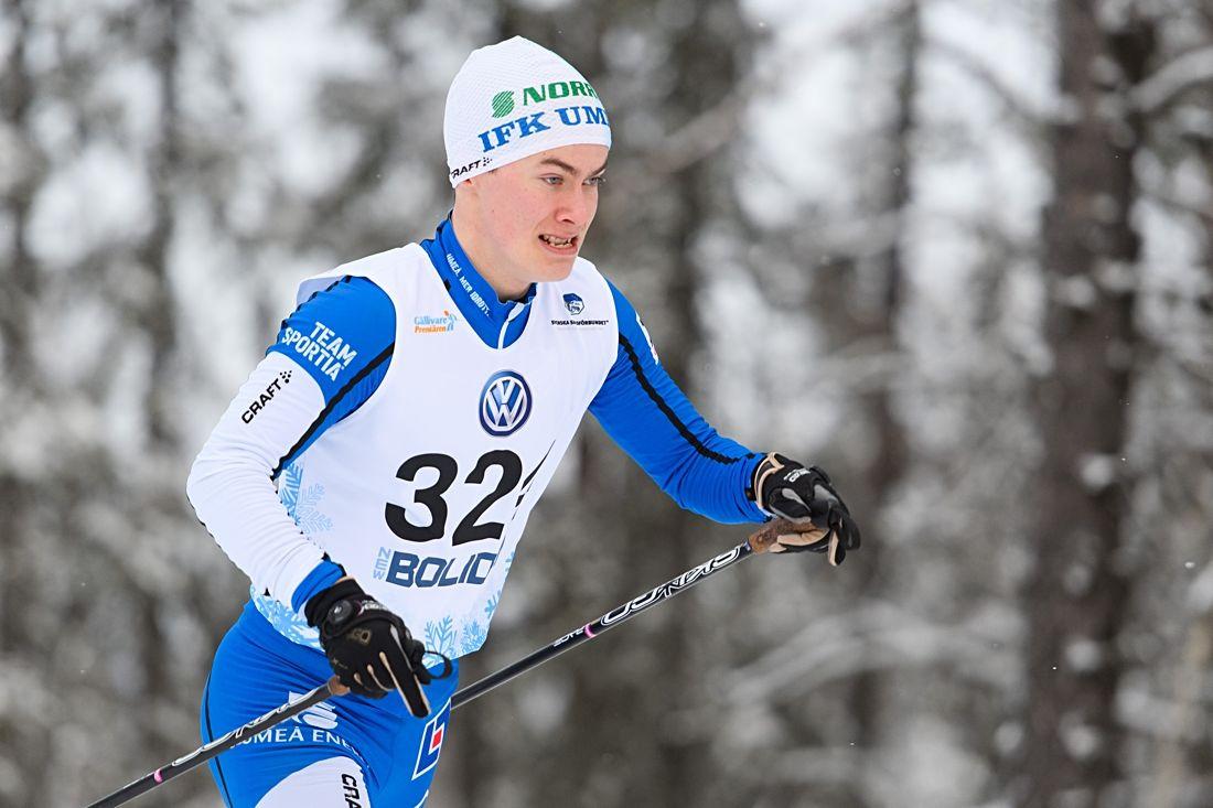 Simon Åstot vann H 19-20 vid Scandic cup i Åsarna 2,6 sekunder före Oscar Olsson, Hudiksvalls IF. FOTO: Carl Sandin/Bildbyrån.