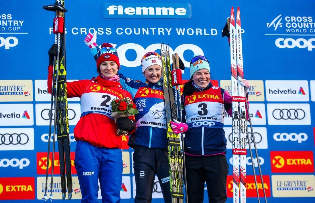 Tour de Ski-pallen: Natalia Nepryaeva, Ingvild Flugstad Östberg och Krista Parmakoski. FOTO: GEPA pictures/Philipp Brem.
