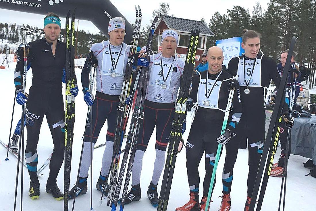 Topp fem på Craft Ski Marathon: Fr.v. trean Jimmie Johnsson, fyran Rikard Tynell, segraren Jens Eriksson, tvåan Bob Impola och femman Pontus Nordström. FOTO: Emma Eriksson.