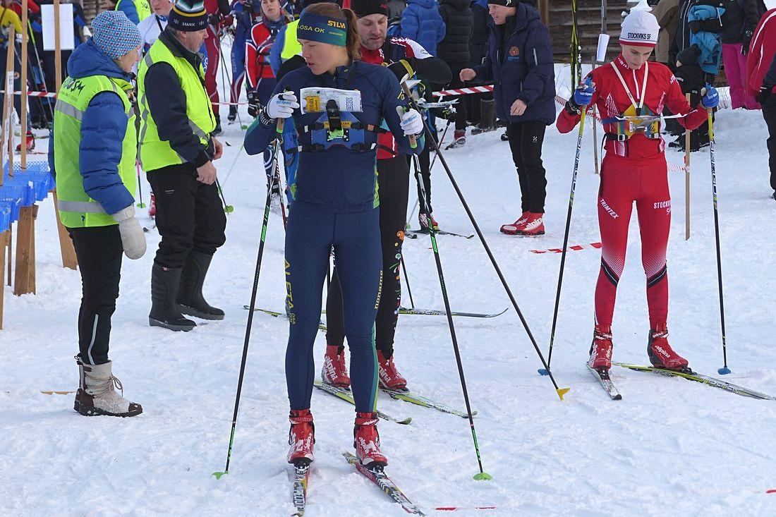 Tove Alexandersson strax före start på dagens OBS-tävling i Mora. FOTO: Johan Trygg/Längd.se.