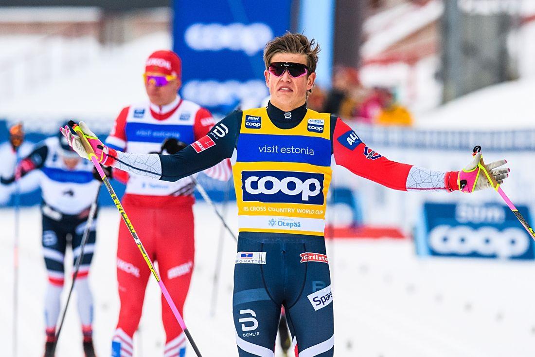 Johannes Hösflot Kläbo lekte hem sprintfinalen i Otepää före Alexander Bolshunov och fyra landsmän. FOTO: Jon Olav Nesvold/Bildbyrån.
