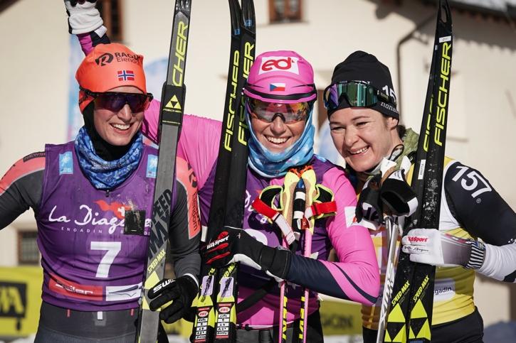Dampallen i La Diagonela: Kari Vikhagen Gjeitnes, tvåa, Katerina Smutna, etta och Britta Johansson Norgren, trea. FOTO: Magnus Östh.