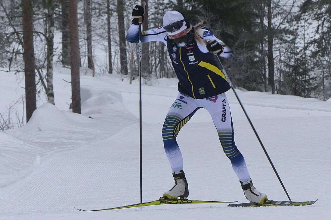 Frida Karlsson öser på under uppladdningslägret i Grönklitt. Idag drar JVM igång i Lahtis, Finland och Frida är redo. FOTO: Johan Trygg/Längd.se.