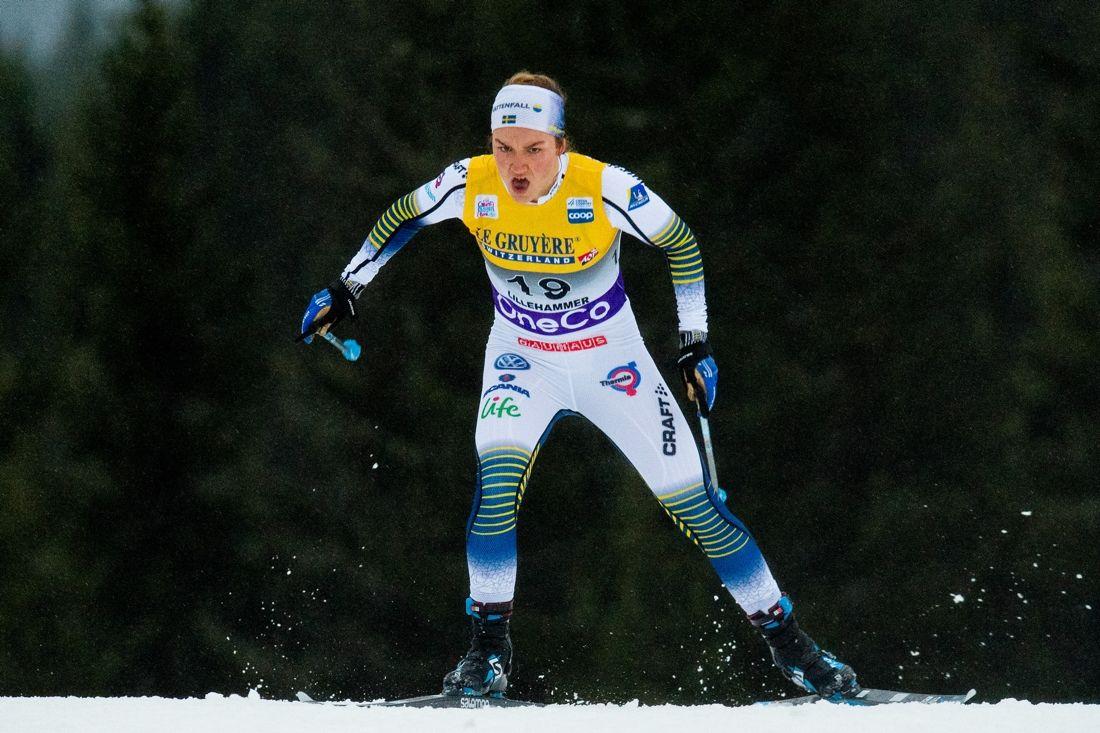 Moa Lundgren vann jaktstarten vid Skandinaviska cupen i Lettland före Emma Ribom och Johanna Hagström. FOTO: Jon Olav Nesvold/Bildbyrån.