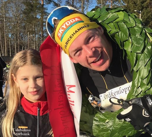 """Martin Gotting med """"kransatös""""Althea Viktorsson. FOTO: Mullsjö SOK."""