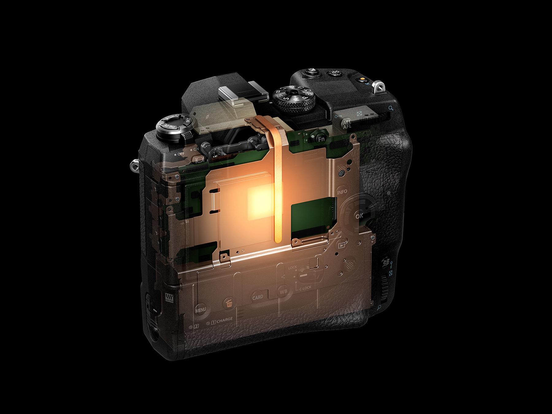 11_E-M1X_0073_Back_Horizontal_Heat Pipe.jpg