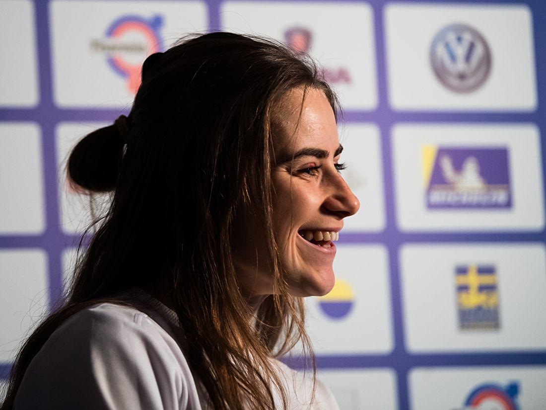 En glad och förväntansfull Ebba Andersson dagen innan världscupen drar igång i Ulricehamn. FOTO: Mathias Bergeld/Bildbyrån.
