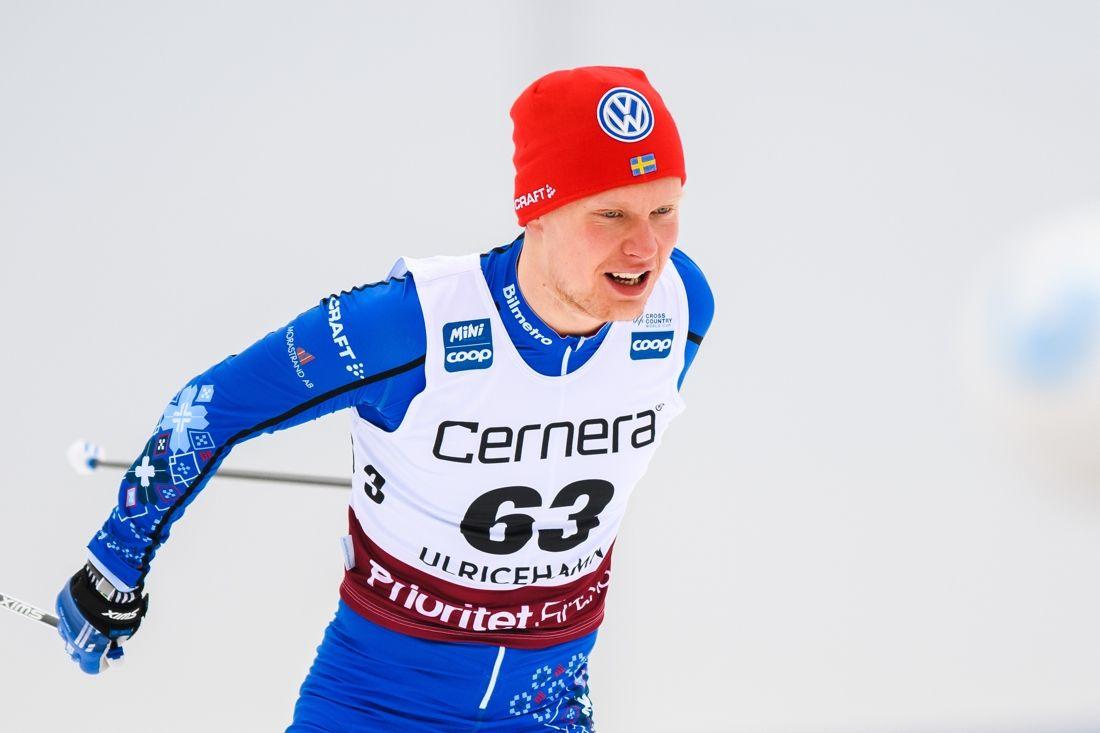 Axel Ekström gjorde fin comeback på världscupnivå när han åkte in som 27:a på 15 kilometer skejt i Ulricehamn idag. FOTO: Mathias Bergeld/Bildbyrån.