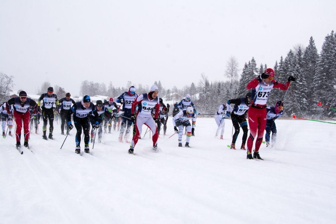 Starten för ICA-loppet i Matfors i snöväder under söndagen. FOTO: Matfors SK.