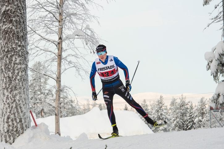 Fredrik Andersson var starkast på förstasträckan och växlade åtta sekunder före IFK Umeås Teodor Peterson som tvåa. FOTO: Simon Hastegård/Bildbyrån.