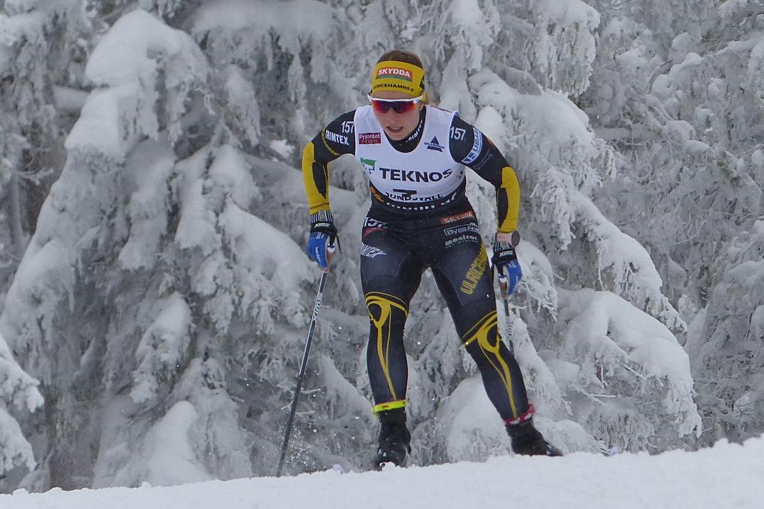 Johanna Hagström i Ulricehamns IF:s färger vid sprintprologen på SM i Sundsvall 2019. FOTO: Johan Trygg/Längd.se.