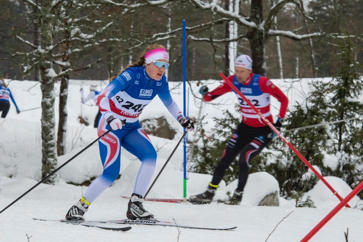 Olivia Lavén på väg mot seger i D 17-klassen. FOTO: Bengt Lord.