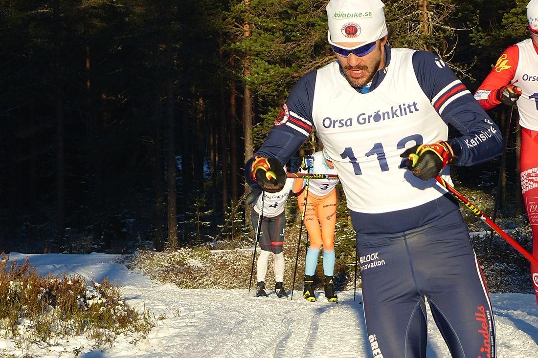 Linus Larsson vann Västgötaloppet i Ulricehamn i söndags och toppar nu långloppscupen Skistart.com Ski Challenge. FOTO: Johan Trygg/Längd.se.
