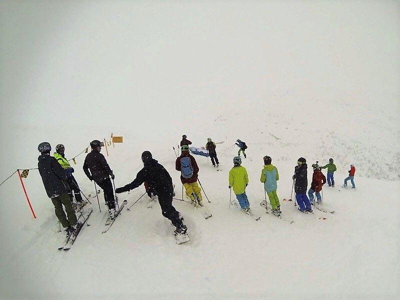 Siplo skisenter i Høyanger, der kommunen har sett opp skibuss til og frå. Foto: Lars Jonas Pedersen.