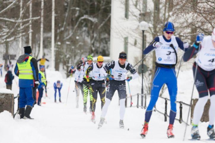 Täten passerar bron vid Nya Herrgården under Bessemerloppet 2018. På söndag är det dags för 2019 års upplaga av loppet. FOTO: Göran Digné/ Tiger Balsam.