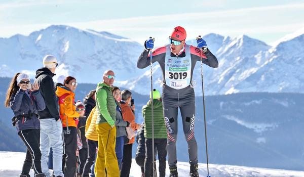 Oskar Kardin på väg mot seger i Gsiesertal Lauf i italienska Sydtyrolen. FOTO: Newpower.it.