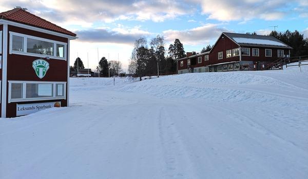 Det är fina förhållanden vid Jarlstugan i Rättvik inför skicross-sprinten på lördag. FOTO: John Vikman.