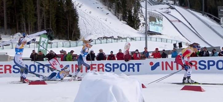 Det snöpliga avgörandet i VM-sprinten där Maja, Jonna och Stina tappade chansen att slåss om guldet. FOTO: SVT:s sändning.