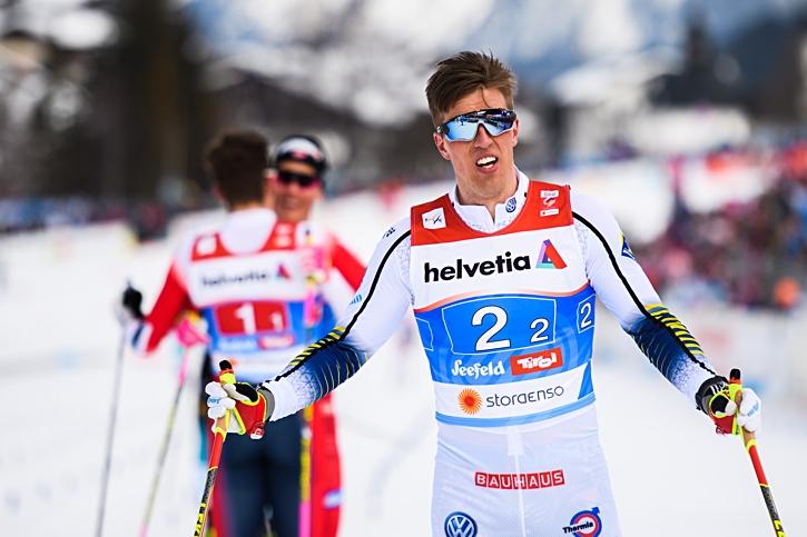 En besviken Calle Halfvarsson har precis korsat mållinjen som fyra. FOTO: Joel Marklund/Bildbyrån.