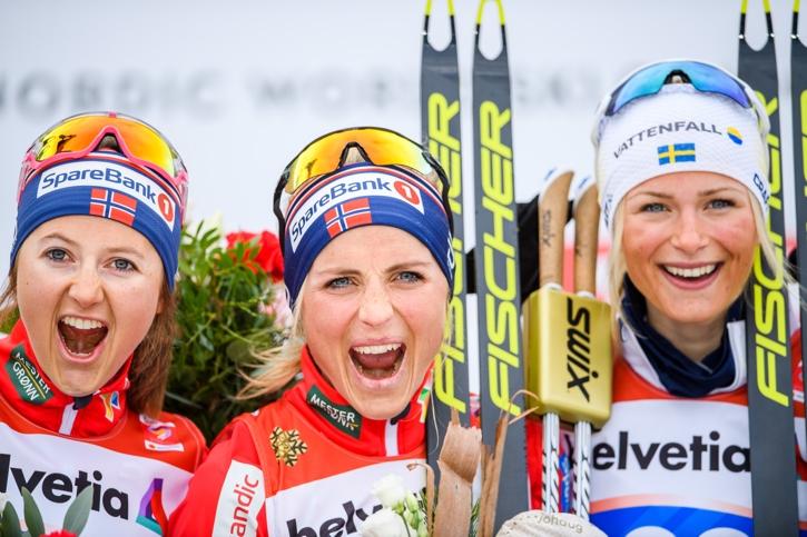 Medaljtrion Ingvild Flugstad Östberg, Therese Johaug och Frida Karlsson. FOTO: Joel Marklund/Bildbyrån.