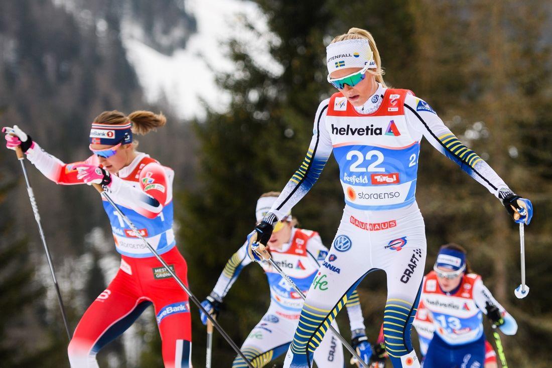 Frida Karlsson och Ingvild Flugstad Östberg gjorde upp om silver och brons på VM-tremilen. FOTO: Johanna Lundberg/Bildbyrån.