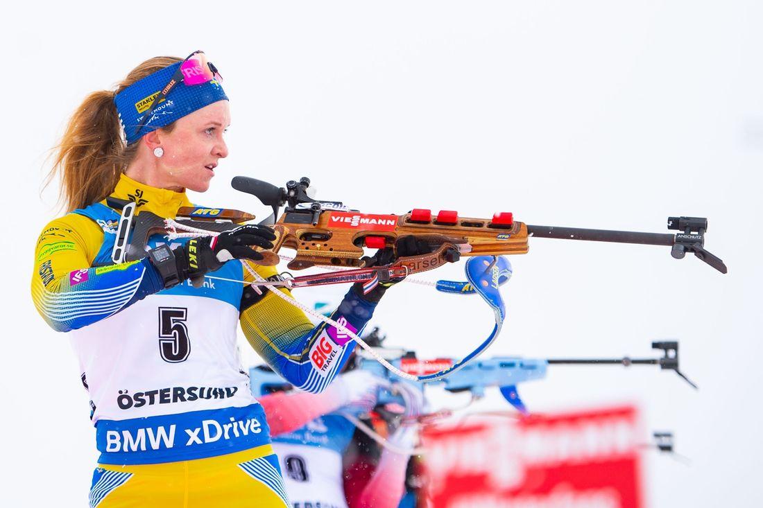 Mona Brorsson ser uppgiven ut efter bommarna i sista skyttet där chansen till VM-guld försvann. FOTO: Petter Arvidson/Bildbyrån.
