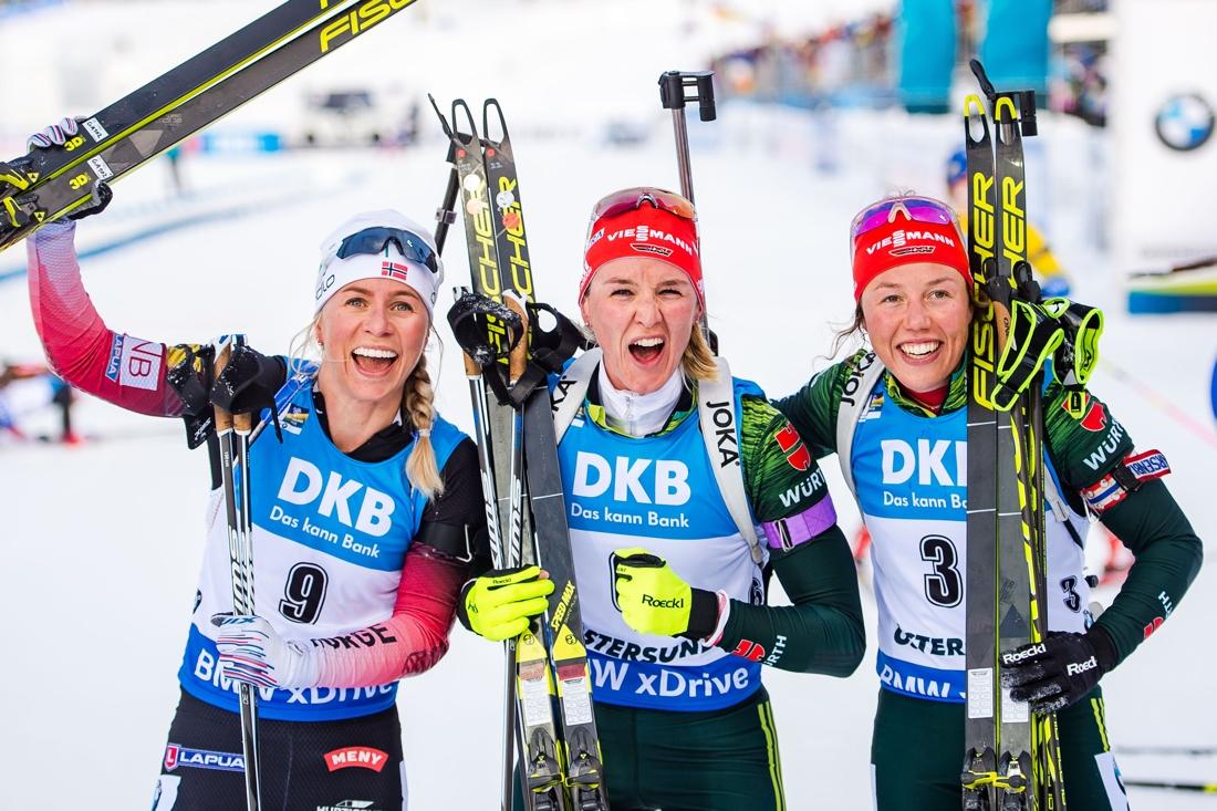 Medaljtrion Tiril Eckhoff, Denise Herrmann och Laura Dahlmeier. FOTO: Petter Arvidson/Bildbyrån.