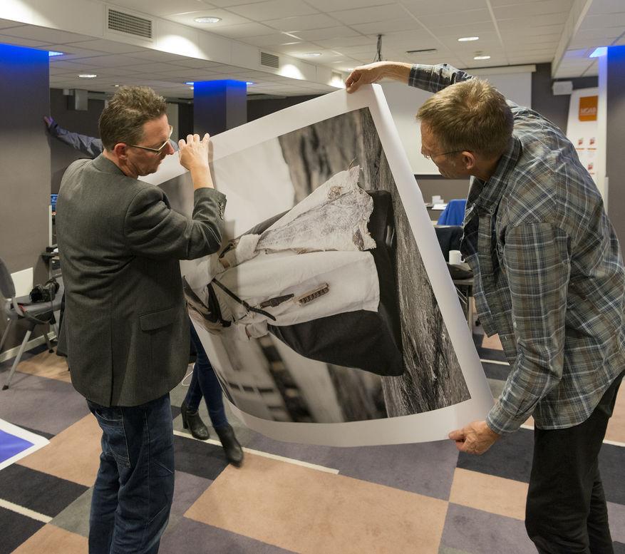 Kursdeltakere på Løberg og Persens printworkshops lærer å skrive ut kvalitetsbilder.