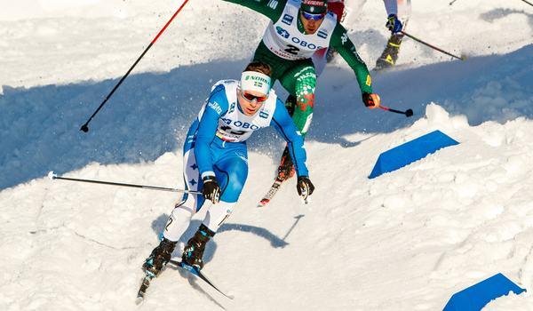 Martin Bergström i täten närmast före Federico Pellegrino på sprintfinalen i Falun. I mål var Martin femma. FOTO: Daniel Eriksson/Bildbyrån.