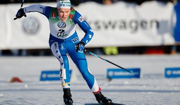 Moa Lundgren vann sprinten vid Volkswagen cup i Kalix på fredagen. FOTO: Johan Axelsson/Bildbyrån.