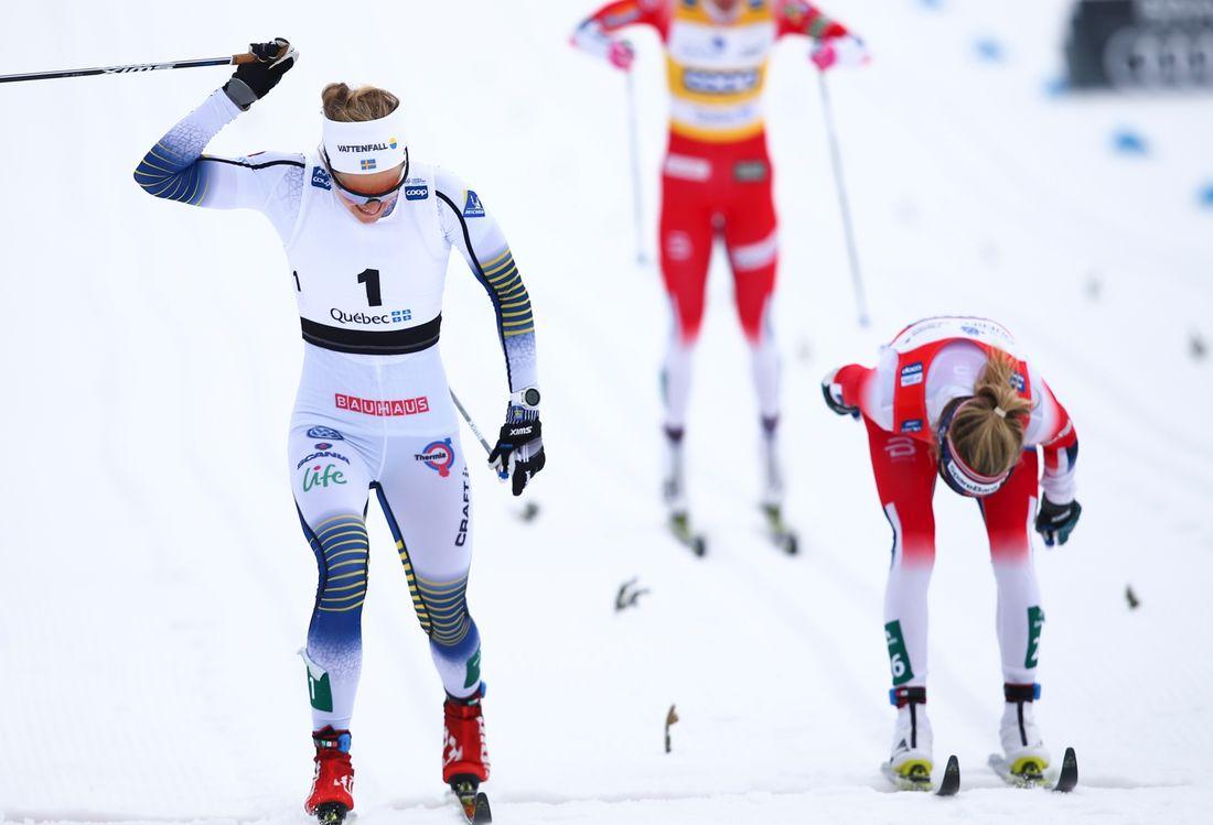 Stina Nilsson vann före Therese Johaug på masstarten i Quebec, Kanada. FOTO: GEPA pictures/CH Kelemen/Bildbyrån.