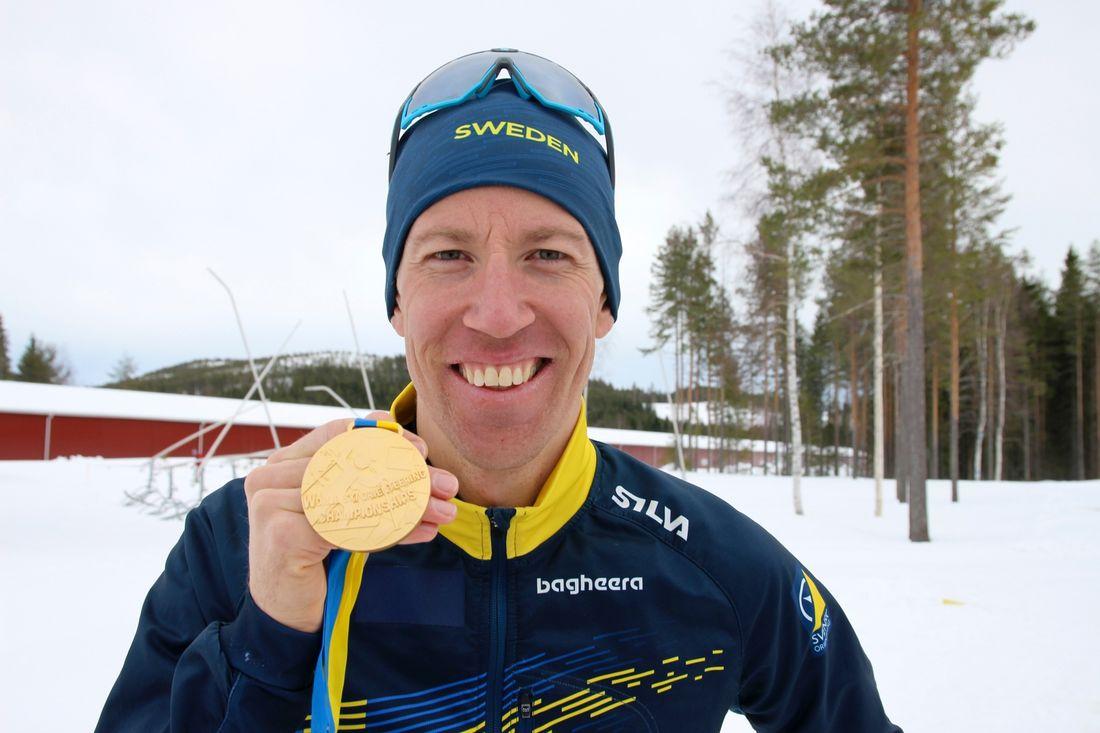 Erik Rost tog sitt andra guld under VM i skidorientering. I dag vann han masstarten. FOTO: Mårten Lång/Svenska Orienteringsförbundet.