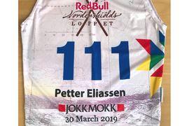 Se upp för startnummer 111 när 22 mil långa Nordenskiöldsloppet avgörs med start lördag morgon. Petter Eliassen blir en stark utmanare om segern till Andreas Nygaard s omhar två raka segrar i bagaget. FOTO: Red Bull Nordenskioldsloppet.