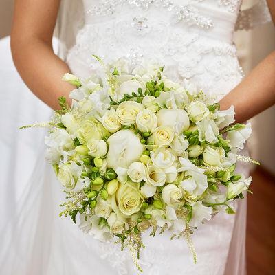 Brudebukett-hvit-bryllup