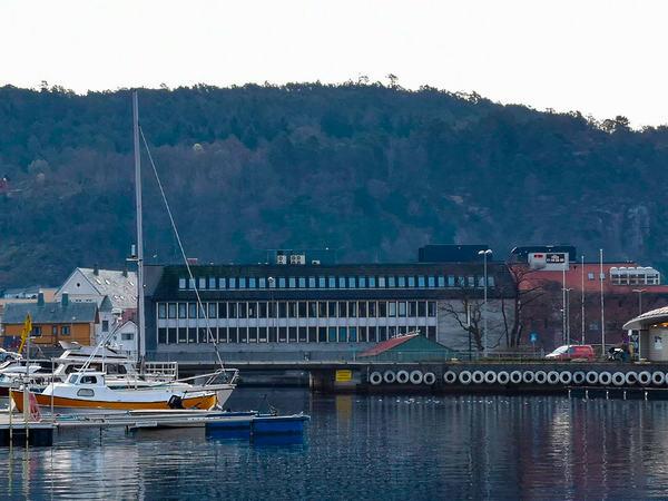 Rådhuset sett fra sjøen