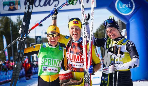 Astrid Öyre Slind vann Ski Classics-finalen före Lina Korsgren till vänster och Britta Johansson Norgren till höger. Britta var redan totalvinnare av cupen innan dagens lopp. FOTO: Magnus Östh.