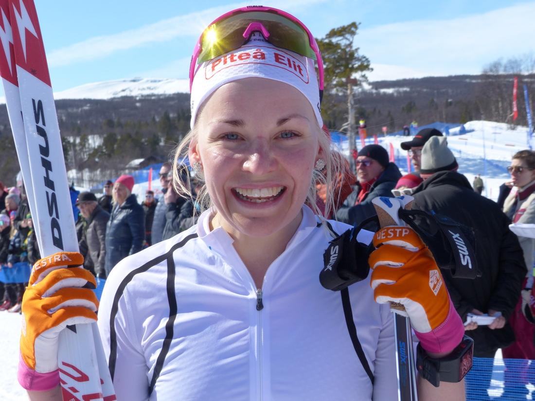 Lisa Vinsa ett glad vinnare. FOTO: Johan Trygg/Längd.se.