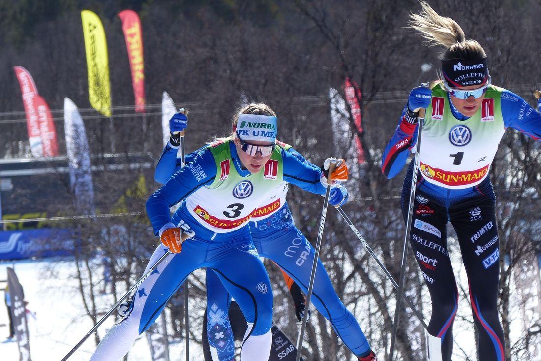 Jonna Sundling och Frida Karlsson är två av åkarna i A-landslaget inför nästa vinter. FOTO: Johan Trygg/Längd.se.