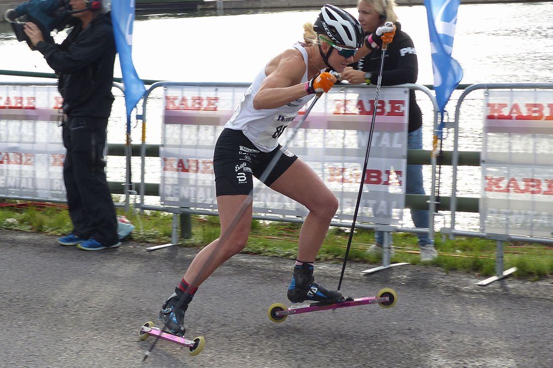 I sommar genomförs sjunde upplagan av den officiella svenska rullskidscupen - STS Roll Cup. Här ser vi Maja Dahlqvist vid Alliansloppets Integra sprint i fjol. FOTO: Johan Trygg/Längd.se.