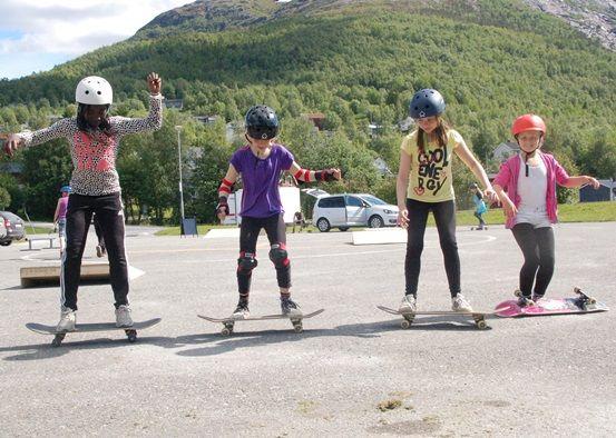 Skatekurs på helikopterplassen