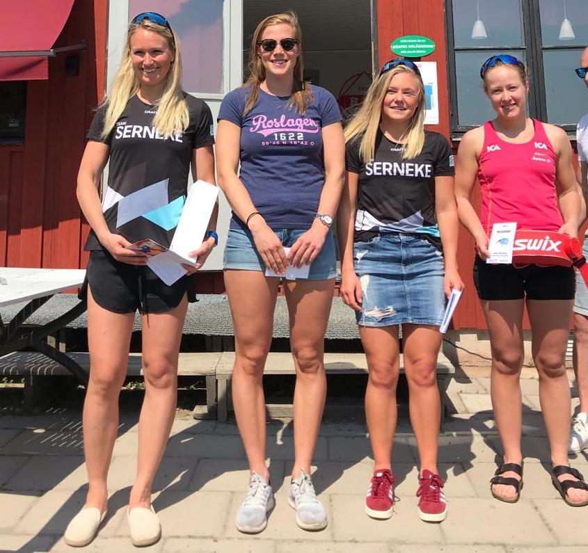 De fyra bästa i damklassen. Fr.v: Magdalena Pajala, tvåa, Maria Nordström, etta, Julia Angelsiöö, trea och Lisa K Svensson, fyra. FOTO: Rullskidgalejet.