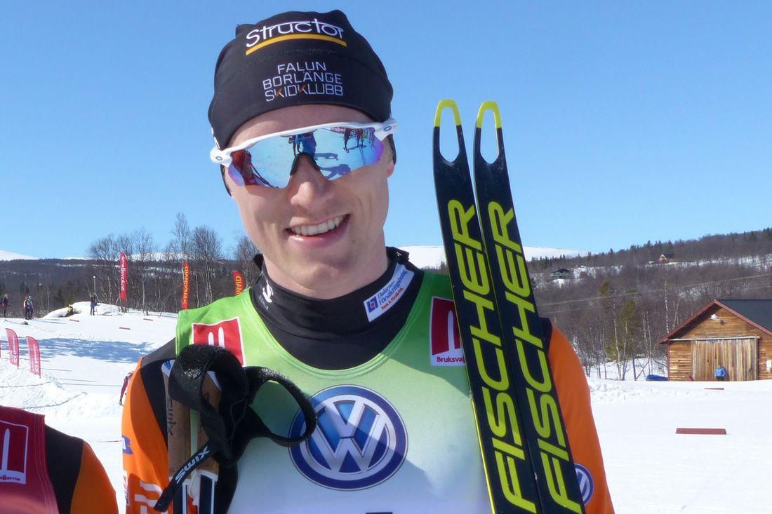 Oskar Svensson vann Åsarna Ski Marathon efter en tät spurt mot Teodor Peterson. FOTO: Johan Trygg/Längd.se.