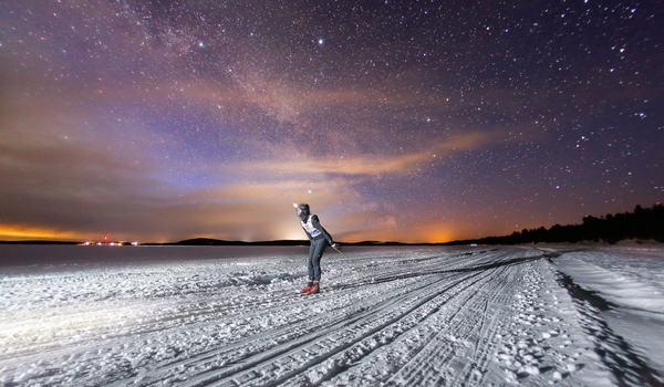 Stjärnklar natt under Nordenskiöldsloppet. Nu är anmälan öppen till femte upplagan i modern tid. FOTO: Richard Ström/Red Bull Content Pool.