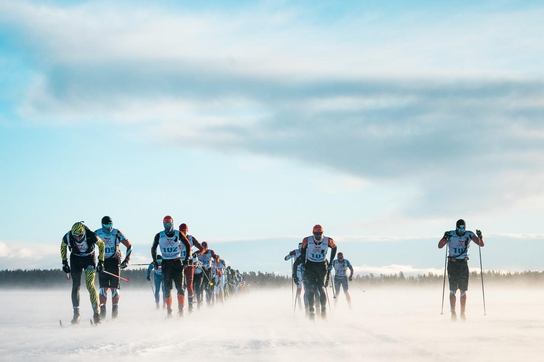 Tätklungan under tidigare upplaga av Nordenskiöldsloppet. FOTO: Magnus Östh/Red Bull Content Pool.