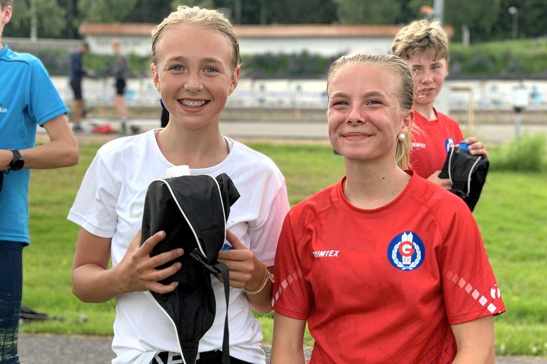 Hannah Hedström och Maja Hörnström från Karlstad är båda med Torsby sommarskidskola för första gången.
