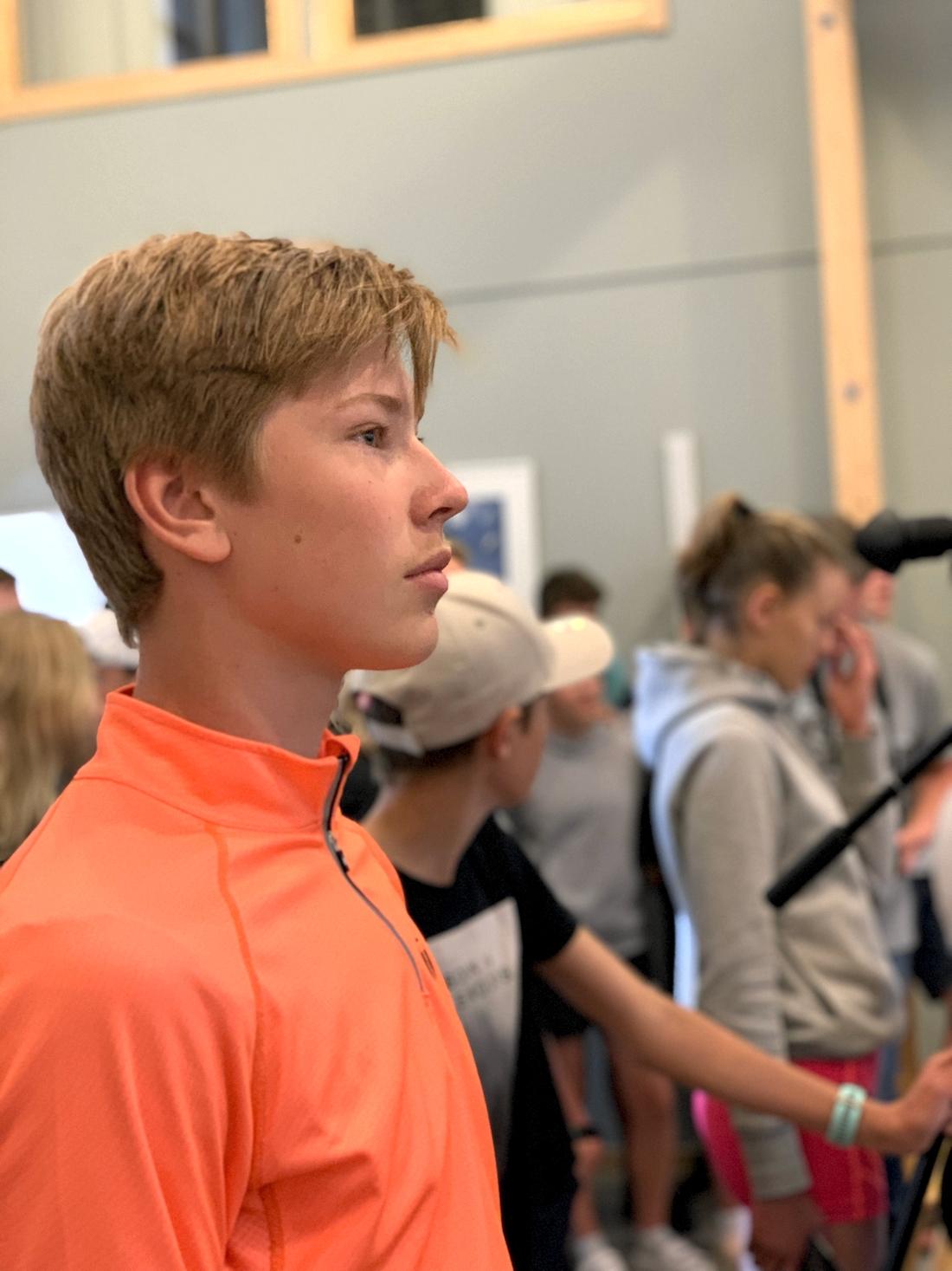 """""""Jag har fått lära mig mycket och det är bra träning"""", säger Sebastian Svahn från Mora."""