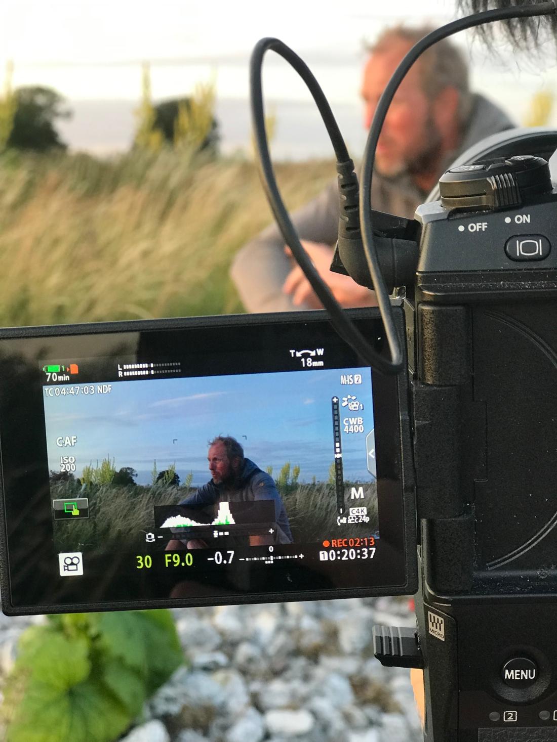 Äventyret blir en dokumentär som ska bli klar till 10 februari. En dryg månad efter Fredrik fyllt 50.