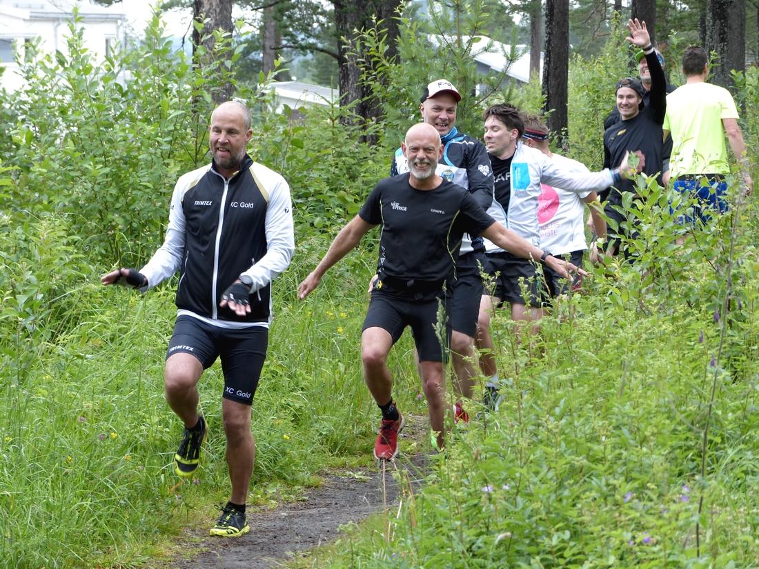 Koordinationsträning är inte alltid så lätt. FOTO: Johan Trygg/Längd.se.
