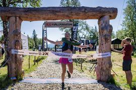 Moa Lundgren krossade både motståndare och banrekord trots brutal värme när hon vann Salomon 27K i lördags. FOTO: Fjällmaraton.