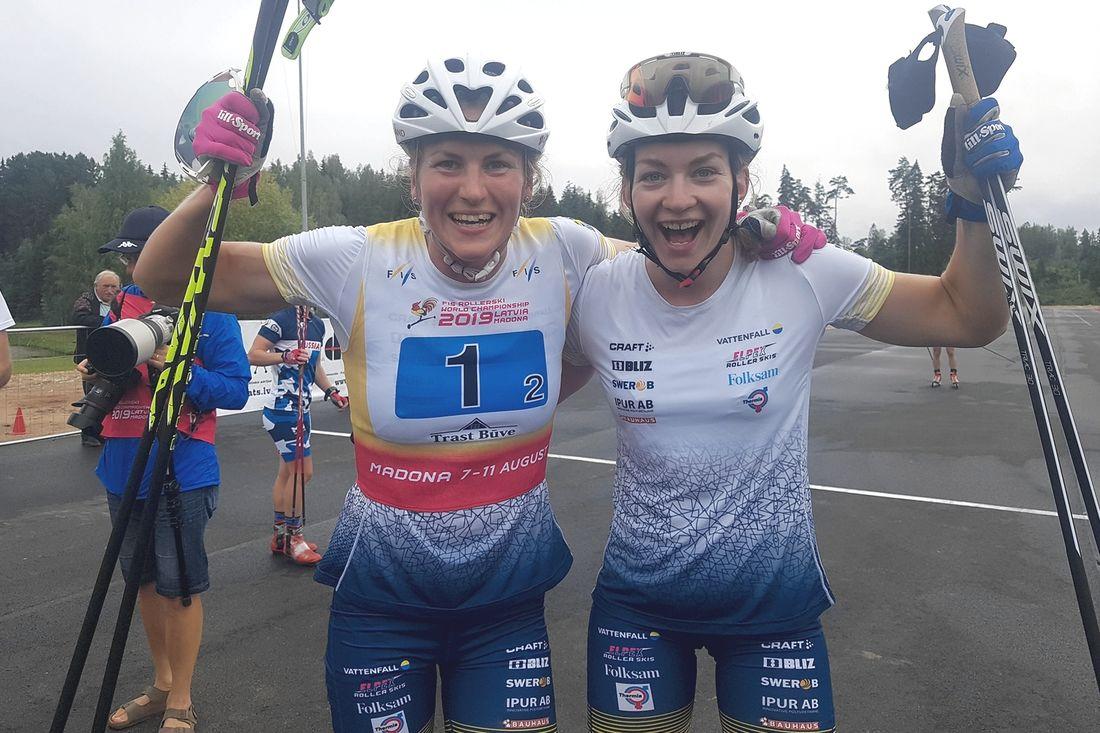 Moa Olsson och Linn Sömskar avslutade VM på rullskidor med seger i teamsprinten. FOTO: Svenska skidförbundet.